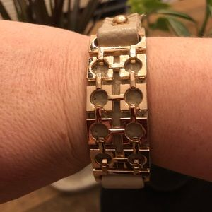 Jewelry - Leather and gold toned button bracelet